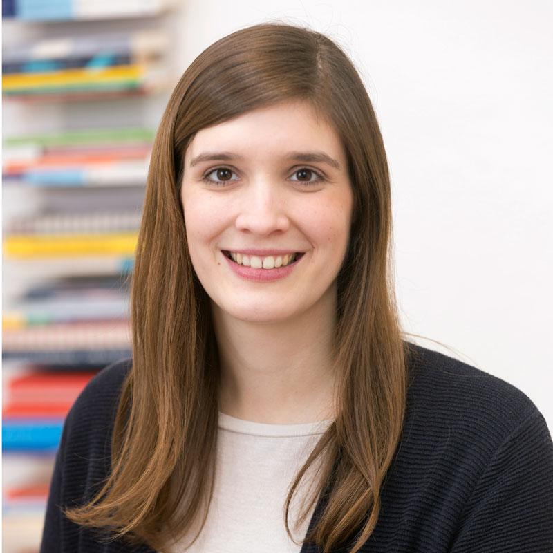 Lisa Henze, Logopädin
